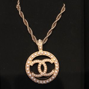 Authentic Chanel mini pearl long chain necklace❤️